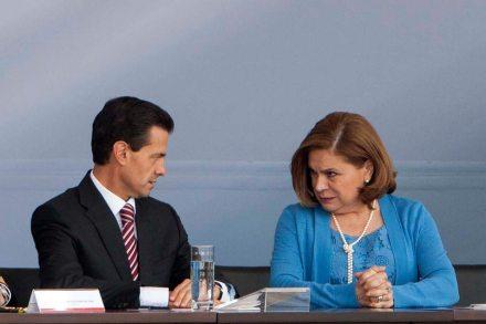 Enrique Peña Nieto y Arely Gómez González durante un encuentro en julio pasado. Foto: Germán Canseco