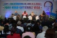 Armando Ponce, Columba Vértiz y Blanche Petrich en el homenaje a Scherer en la FIL Zócalo. Foto: Octavio Gómez
