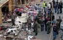 Inspeccionan lugar de atentado que dejó más de 40 muertos en Beirut. Foto: AP / Bilal Hussein