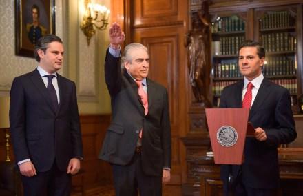 Rafael Tovar y de Teresa toma protesta como titular de la Secretaría de Cultura. Foto: Presidencia
