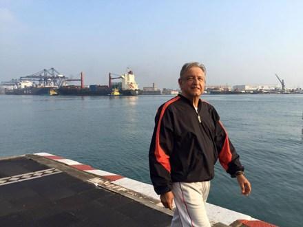 Obrador en el puerto de Veracruz. Foto: AMLO