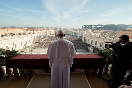 El Papa Francisco celebra la Navidad en el Vaticano. Foto: AP / L'Osservatore Romano