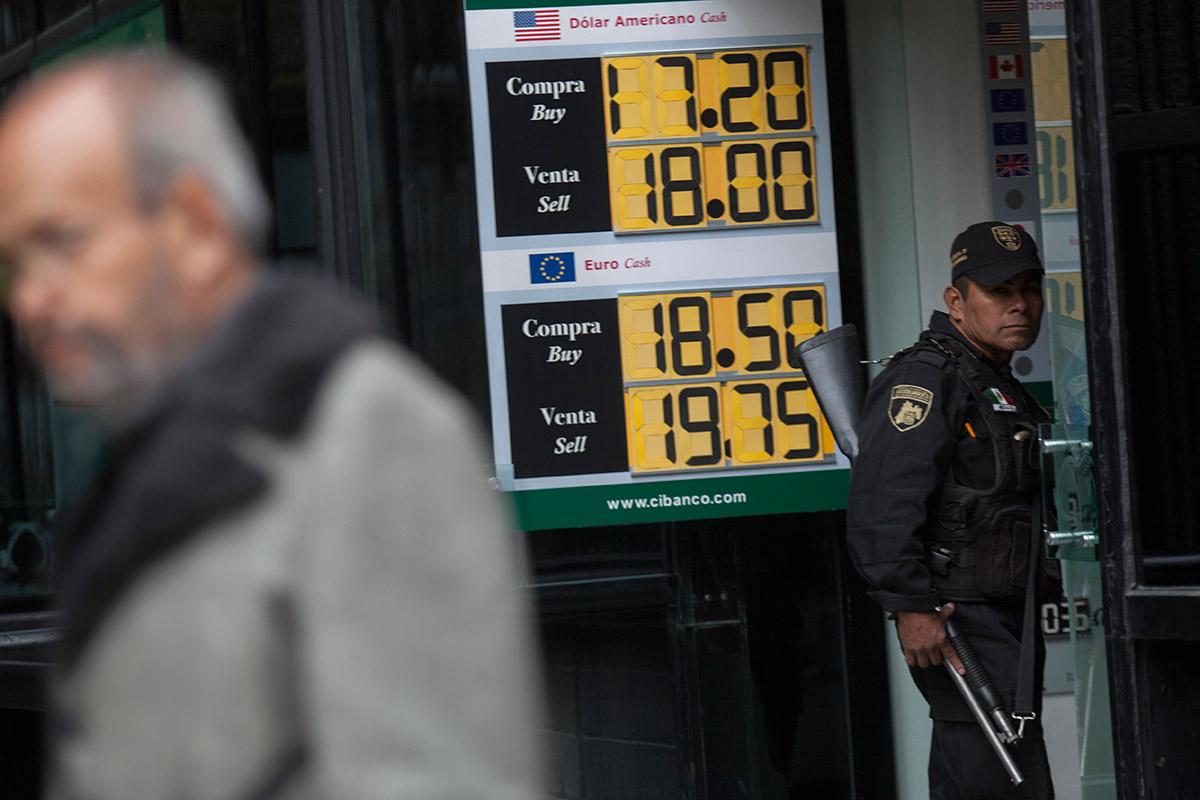 El precio del dólar en una casa de cambio de la Ciudad de México. Foto: Octavio Gómez