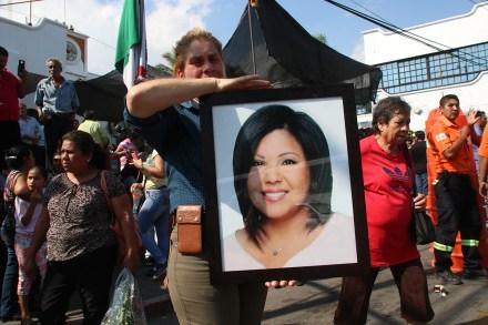 Un retrato de la alcaldesa de Temixco Gisela Mota en el panteón de Pueblo Viejo. Foto: Hugo Cruz