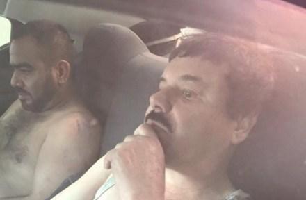 """""""El Chapo"""" Guzmán y su jefe de sicarios, tras ser capturados. Foto: Especial"""