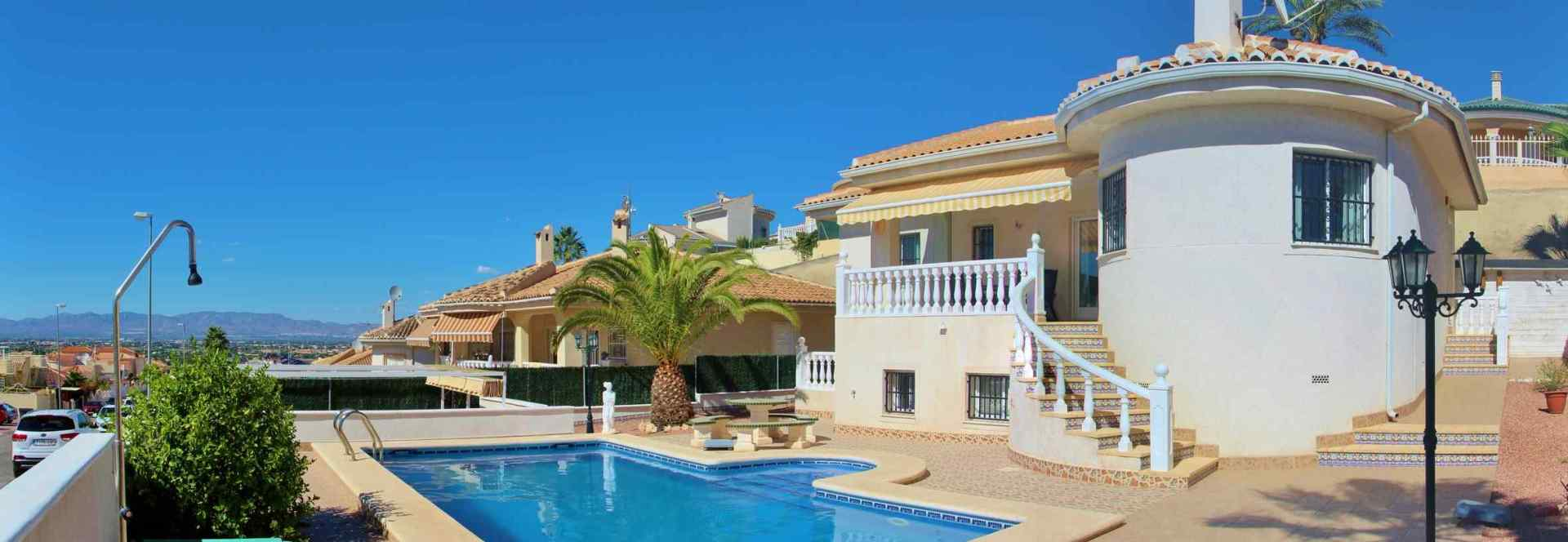 1148-bargain-4-bedroom-villa-in-quesada-on-500m2-plot-1