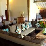 United_Colors_of_Bali_joglos_living_room_KY5_Copier