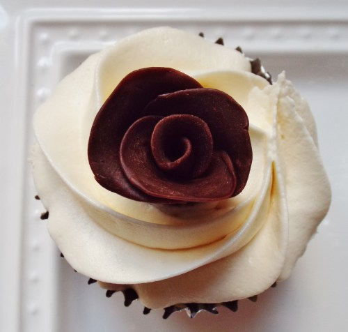 Easy Chocolate Taffy Roses 041 (2)