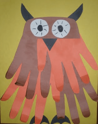 Fall owl handprint craft from EasyPreschoolCraft.blogspot.com