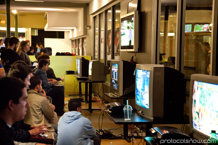 Season's Beatings V Redemption fighting game tournament Gamerbee Daigo Umehara Justin Wong Momochi Marn Arturo Sanchez Sabin Super Street Fighter IV Momo2 Columbus