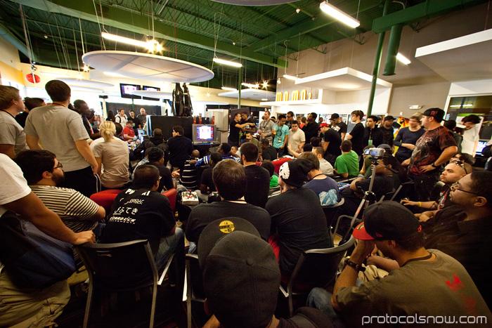 Season's Beatings V Redemption fighting game tournament Gamerbee Daigo Umehara Justin Wong Momochi Marn Arturo Sanchez Sabin Momo2 Columbus Super Street Fighter IV
