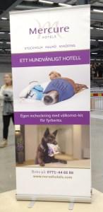 Roll up med info om Mercure Hotels hundkoncept.