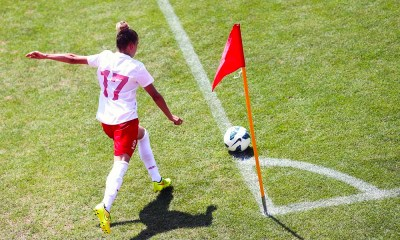 Polish WNT during a corner kick 2