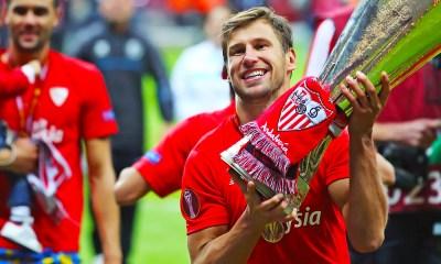 Grzegorz Krychowiak wins Europa League 1