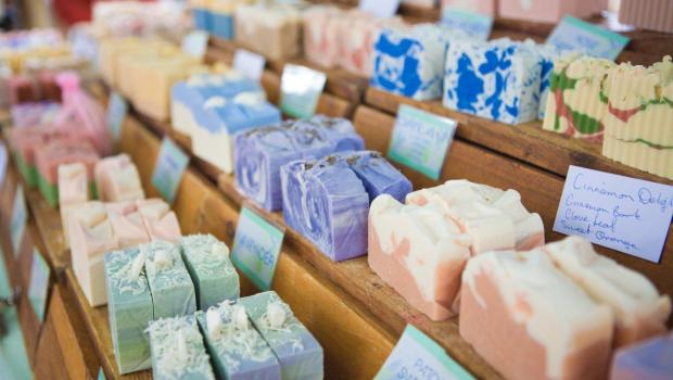 Soaps for psoriasis