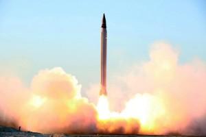 Iran makes missilesÕ tests