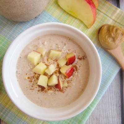 You'll love the peanut butter and apple pie flavor, combined with a creamy texture, of this quick and easy Peanut Butter Apple Pie Overnight Oats.