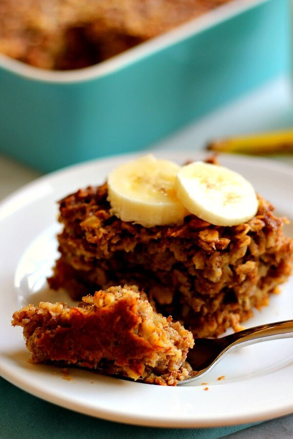 Baked Banana Bread Oatmeal is filled with hearty oats, sweet bananas ...