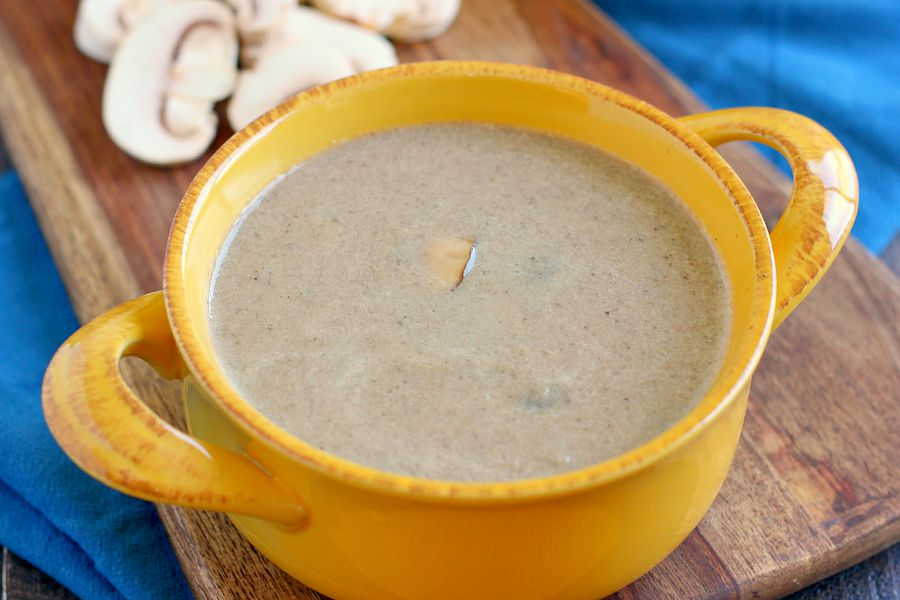 This Easy Cream of Mushroom Soup is packed with fresh mushrooms and ...