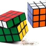 Salero y pimentero con diseño de cubo de Rubik