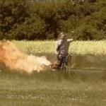 Bicicleta propulsada por un JET casero