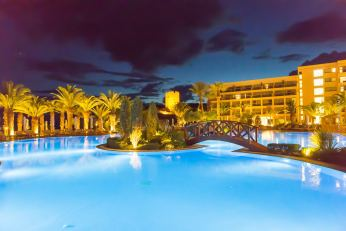 Griechenland bei Nacht - Greece nighttime - sunset and clouds - Mittelmeer - SANI Resort Griechenland - Wellness und Familyresort
