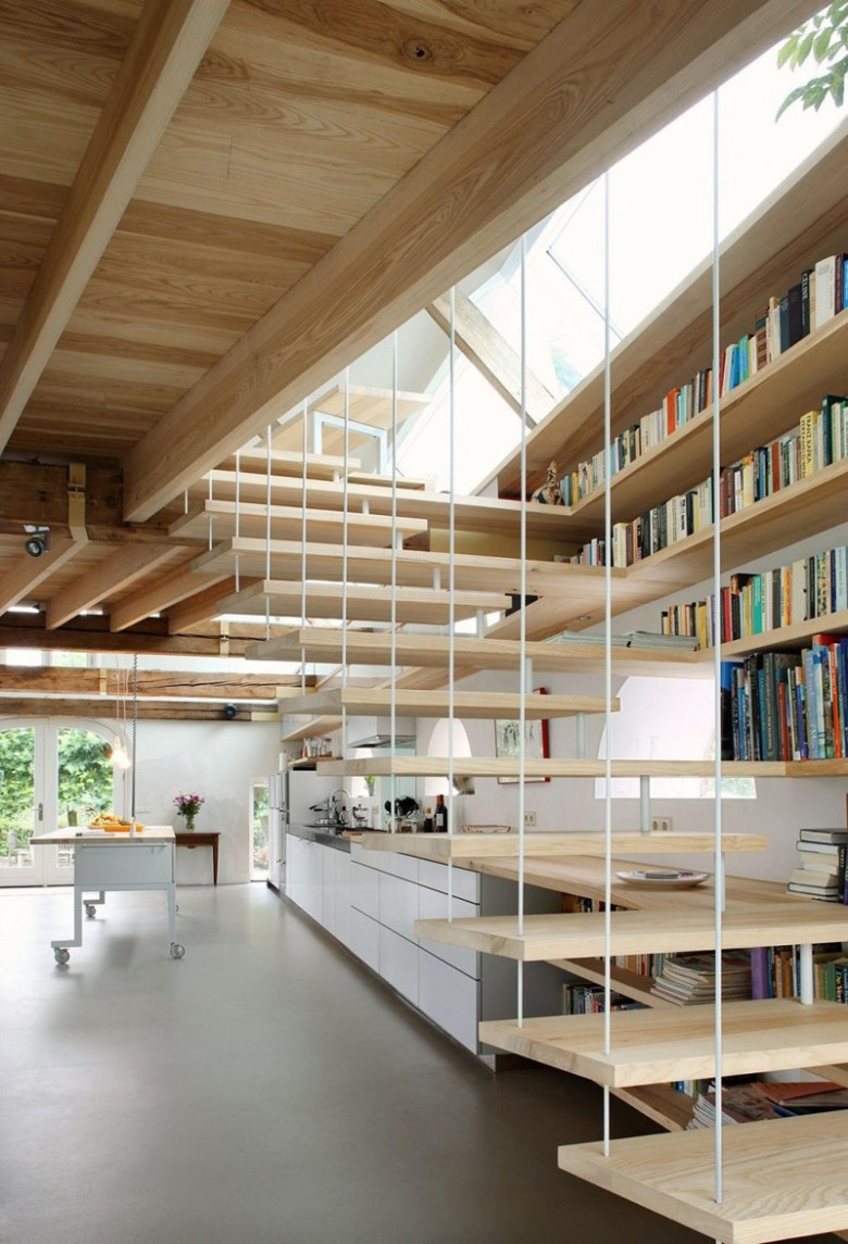 stairs-with-bookshelves_080216_03-800x1174