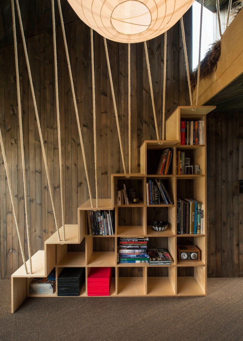 stairs-with-bookshelves_080216_08-800x1120