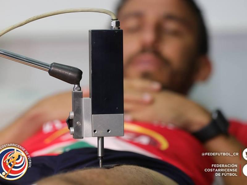 Randall Azofeifa pruebas físicas. Foto fedefutbol.com