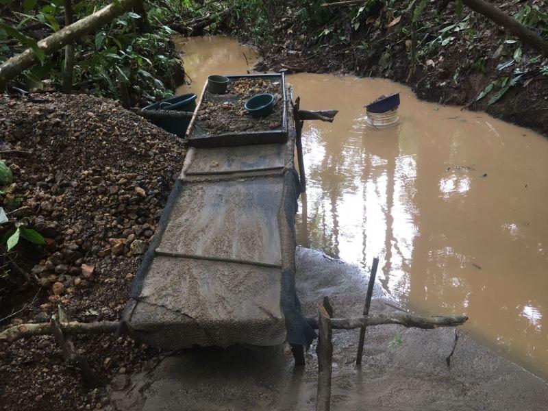 Minería ilegal Crucitas Costa Rica. Foto Carlos Hernández La Nación