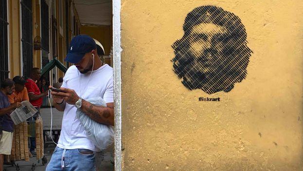 Grafiti-Ernesto-Che-Guevara-Habana_Fuente 14ymedio.com:CYMIMA20171005_0009_13