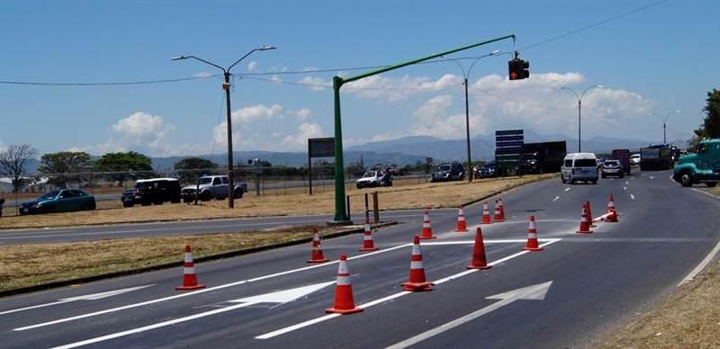 Tránsito aeropuerto Santamaría Google Images