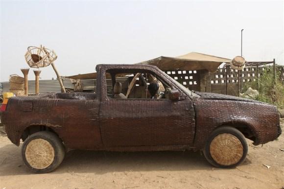 pb-130110-cane-car-nigeria-02.photoblog900