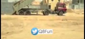 فيديو: شاب #عينه_حاره يُسقط حموله شاحنه بمجرد كلمه واحده !!
