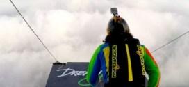 بالفيديو : جنون القفز الحر .. في دبي
