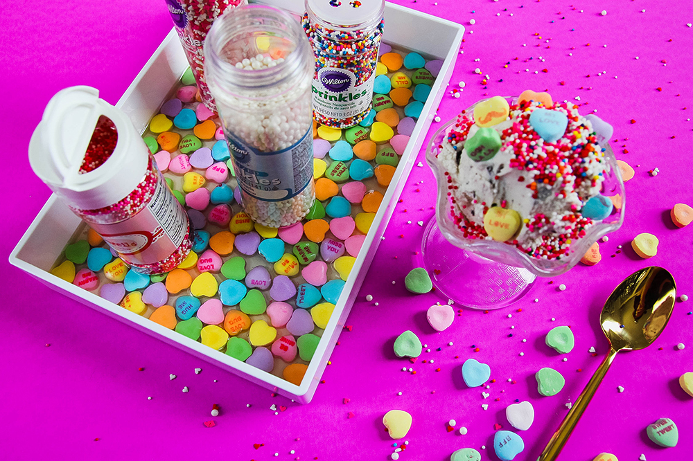 vday convo heart sprinkle tray