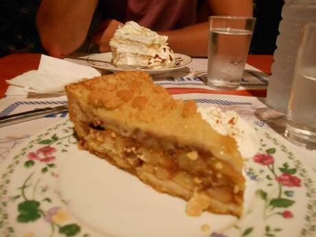 Crumble aux pommes & gâteau à la pêche