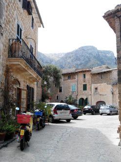 Dans les ruelles de Valldemossa