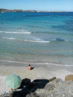 Vue sur la plage d'En Tortuga et le phare de Favaritx (parc naturel de S'Albufera)