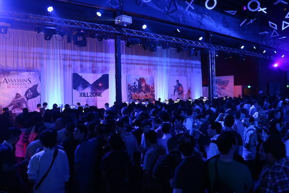 Primeros en probar la PS4 en Argentina
