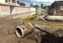 Alcantarillado pluvial dará solución a una enorme poza  de aguas  lluvias en la ciudadela La Salud, diagonal a la Iglesia