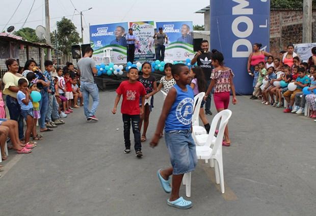 Niñez de la parroquia 24 de Mayo disfrutó de juegos tradicionales