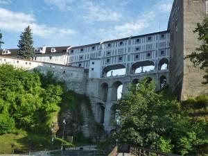 Le Pont en Manteau soutenant le couloir reliant la Quatrième Cour au Haut Château