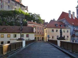 Le Pont vers le quartier de Latrán, au pied du Château de Český Krumlov