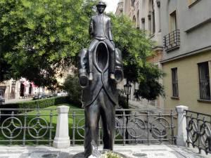 Le Monument à Franz Kafka près de la Synagogue espagnole