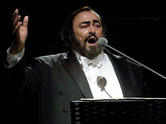 Vous me reconnaissez, je suis Luciano Pavarotti, qu'est-ce que j'ai bien pu chanter ?