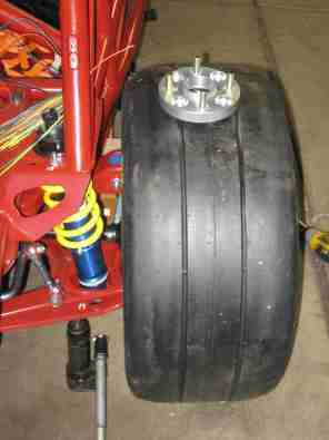 Rear tire without spacer
