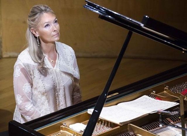 Cea mai bună pianistă a lumii, Elizabeth Sombart, concert caritabil în Bucureşti