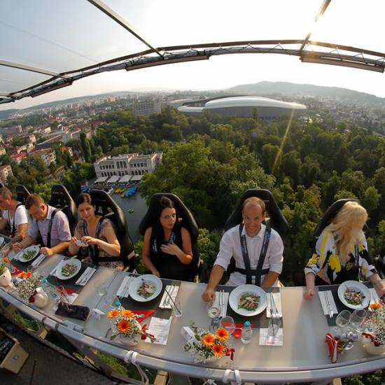 dinner-in-the-sky-cluj