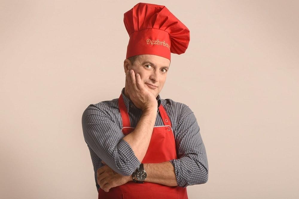 Dezbrăcatu' se apuca de gătit, într-un nou show, la Prima TV